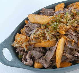 Caramelized-Onion-Roast-Beef-Steak-Fries